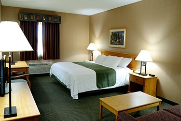 Book Your Stay St Ignace Dining